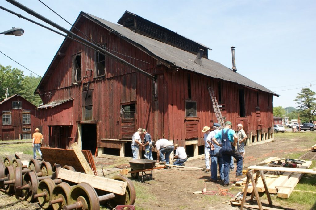 The building righted and volunteer work commending, May 2012